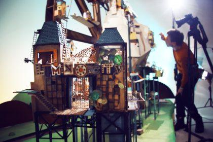 Luke Lumino Model 420x280 - Gry komputerowe, jelenie i smoki, czyli cuda z papieru