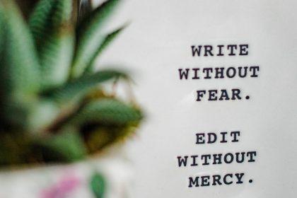 write 420x280 - Piszę książkę i co to oznacza